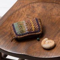 Pooja 刺繍のマルチポーチ スクエア ブラウン