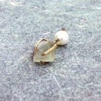 TANE 天然石の片耳ピアス FLUORITE