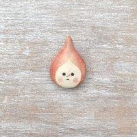 足田メロウ  陶器のブローチ  しずく ピンク
