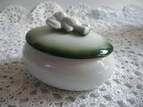 【限定品】マニー 陶器 ベア オーバルケース グリーンの商品写真2