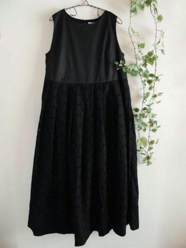 s.t.closet frabjous(エスティークローゼット フラビシャス) オーバーレースワンピース ブラックの商品写真です