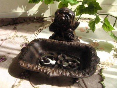 グランシュマン アイアン ソープディッシュ バラの商品写真です