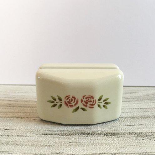マニー ステンシルローズ 陶器 カードスタンドSの商品写真2