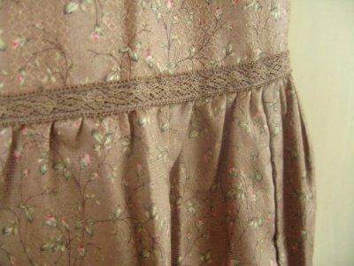 リリアンハウス(LILYAN HOUSE) 小花ベージュスカートの商品写真3