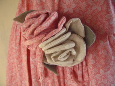 コサージュ付きピンクスカートの商品写真3