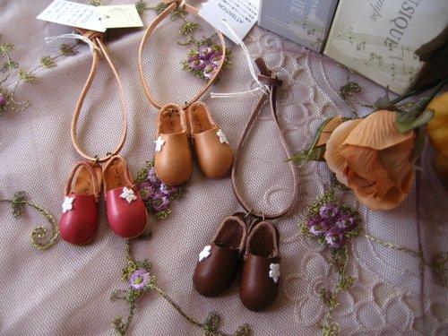 アロマドミュゲ(arome de muguet  シュシュドママン) ミニサボ レザーアクセサリーの商品写真です