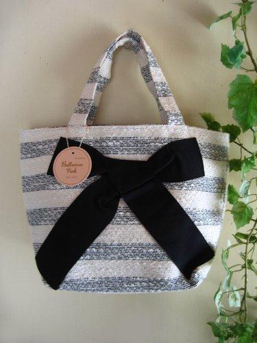 バレリーナピンク ラメツィードボーダー りぼんバッグの商品写真2