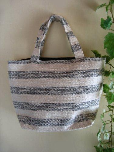 バレリーナピンク ラメツィードボーダー りぼんバッグの商品写真3