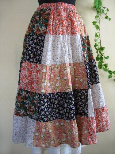 s.t.closet frabjous 総花柄パッチワークスカート ベージュ〜オレンジ系の商品写真2