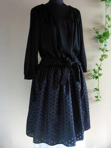 バレリーナピンク タフタエンブロイダリースカートドレスの商品写真です