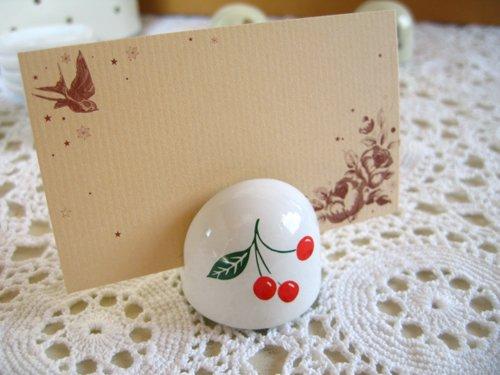 マニー チェリー 陶器 メモスタンド丸の商品写真です