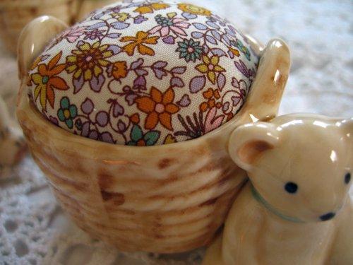マニー プチメゾン 陶器 ピンクッション くまAの商品写真3
