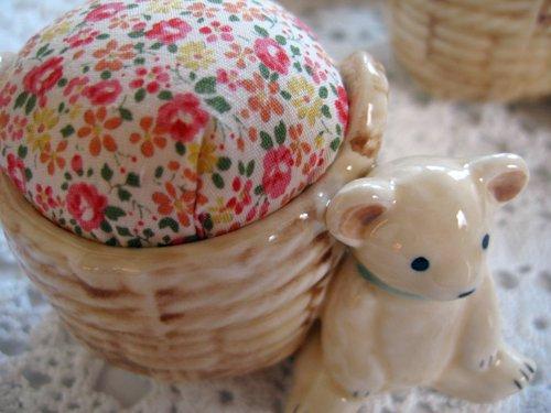 マニー プチメゾン 陶器 ピンクッション くまBの商品写真3