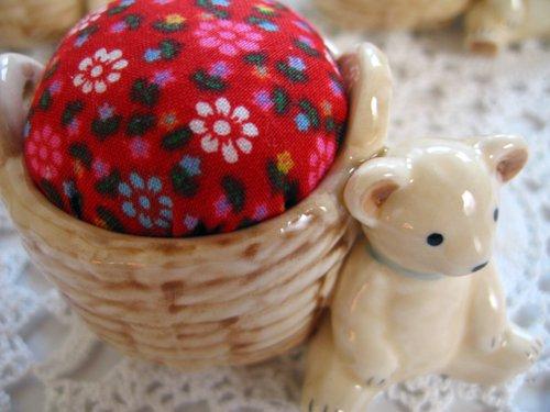 マニー プチメゾン 陶器 ピンクッション くまCの商品写真3