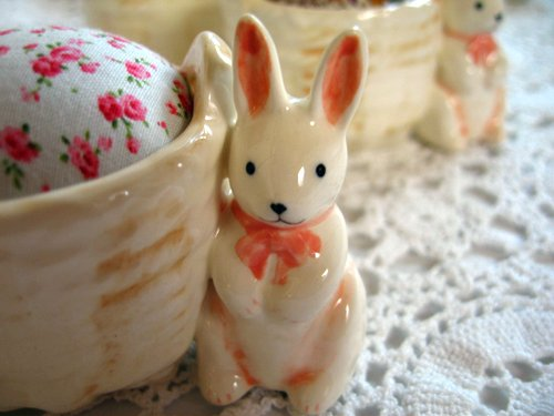 マニー プチメゾン 陶器 ピンクッション うさぎAの商品写真2
