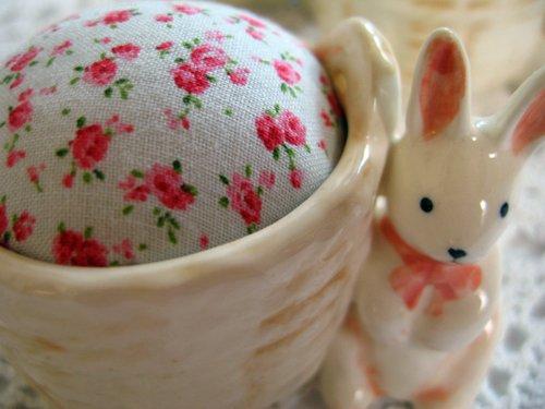 マニー プチメゾン 陶器 ピンクッション うさぎAの商品写真3