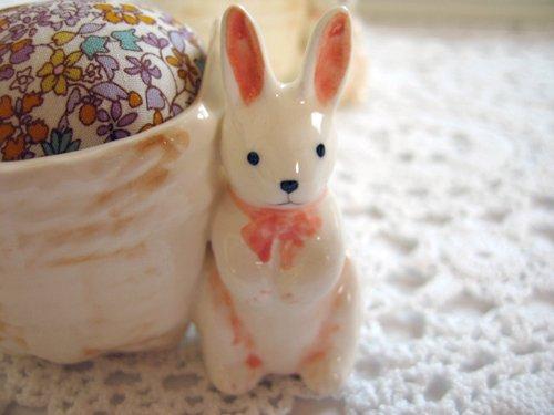 マニー プチメゾン 陶器 ピンクッション うさぎCの商品写真2