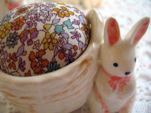 マニー プチメゾン 陶器 ピンクッション うさぎCの商品写真3