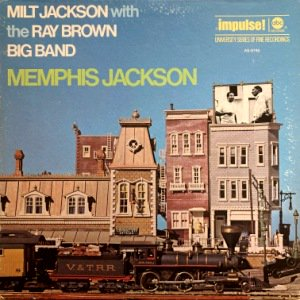 <img class='new_mark_img1' src='https://img.shop-pro.jp/img/new/icons3.gif' style='border:none;display:inline;margin:0px;padding:0px;width:auto;' />MILT JACKSON WITH THE RAY BROWN BIG BAND - MEMPHIS JACKSON (LP) (VG+/VG+)