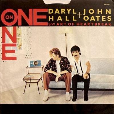 DARYL HALL & JOHN OATES - ONE ON ONE / ART OF HEARTBREAK (7) (VG+/VG+)