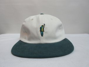 GOOD WORTH Parrot Strapback ホワイト/グリーン