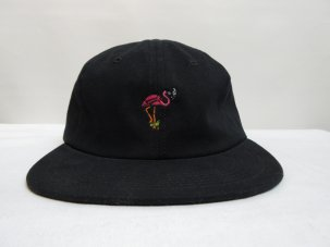 GOOD WORTH FLAMINGO STRAP BACK CAP ブラック