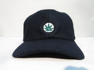 <img class='new_mark_img1' src='//img.shop-pro.jp/img/new/icons20.gif' style='border:none;display:inline;margin:0px;padding:0px;width:auto;' />iandme WEED WOOL CAP ネイビー