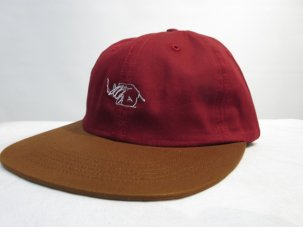 GOODWORTH LIT STRAPBACK BURGUNDY