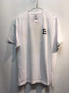 <img class='new_mark_img1' src='//img.shop-pro.jp/img/new/icons5.gif' style='border:none;display:inline;margin:0px;padding:0px;width:auto;' />BLAST SKATES MASCOT LOGO T-SHIRT WHITE