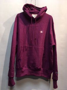 <img class='new_mark_img1' src='//img.shop-pro.jp/img/new/icons5.gif' style='border:none;display:inline;margin:0px;padding:0px;width:auto;' />CHAMPION × UO Reverse Weave Hoodie Mサイズ Violet