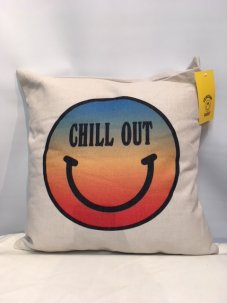 <img class='new_mark_img1' src='//img.shop-pro.jp/img/new/icons5.gif' style='border:none;display:inline;margin:0px;padding:0px;width:auto;' />Chinatown Market For UO Chill Out Throw Pillow