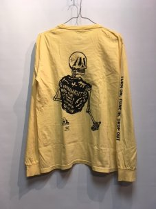 <img class='new_mark_img1' src='//img.shop-pro.jp/img/new/icons5.gif' style='border:none;display:inline;margin:0px;padding:0px;width:auto;' />JUNGLES Tune In Drop Out Long Sleeve Tee