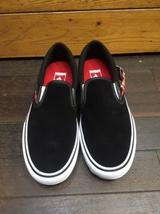 <img class='new_mark_img1' src='//img.shop-pro.jp/img/new/icons5.gif' style='border:none;display:inline;margin:0px;padding:0px;width:auto;' />VANS SLIP-ON PRO Black/White/Gum