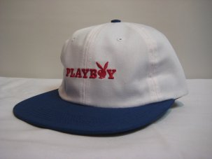 <img class='new_mark_img1' src='//img.shop-pro.jp/img/new/icons20.gif' style='border:none;display:inline;margin:0px;padding:0px;width:auto;' />Good Worth × Playboy Rabbit Text Strapback ホワイト/ブルー