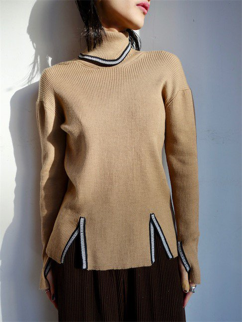 SAGAN VIENNA-KNIT TURTENECK/CAMEL<img class='new_mark_img2' src='//img.shop-pro.jp/img/new/icons20.gif' style='border:none;display:inline;margin:0px;padding:0px;width:auto;' />
