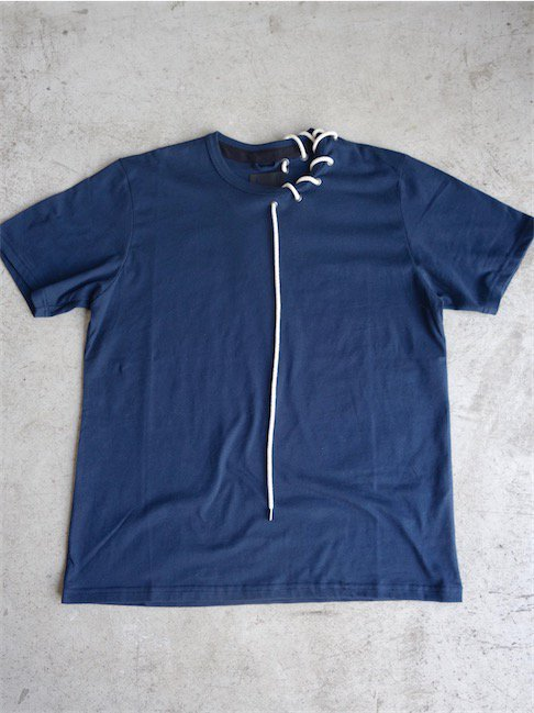 CRAIG GREEN-LACED T-SHIRT/NAVY<img class='new_mark_img2' src='//img.shop-pro.jp/img/new/icons10.gif' style='border:none;display:inline;margin:0px;padding:0px;width:auto;' />