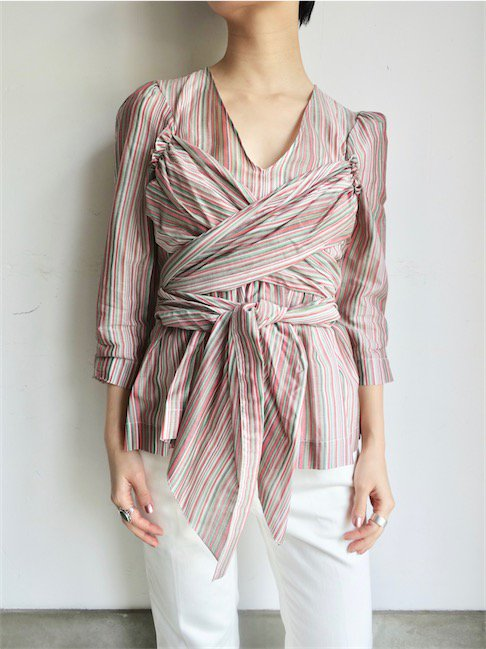 ISA ARFEN-V NECK FRONT WARP TOP/MULTI STRIPE<img class='new_mark_img2' src='//img.shop-pro.jp/img/new/icons20.gif' style='border:none;display:inline;margin:0px;padding:0px;width:auto;' />