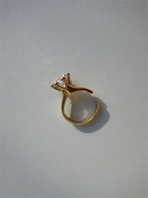 D'HEYGERE-SOLITAIRE EAR CUFF/GOLD×WHITE