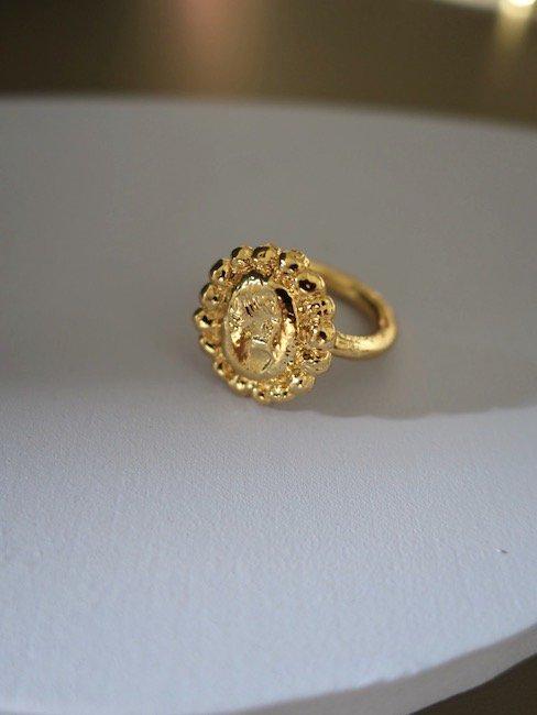CRISTINA JUNQUERO-CAMAFEO RING/GOLD