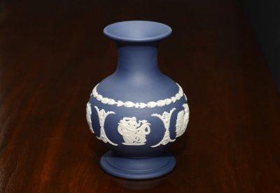 ◇ウェッジウッド/WEDGWOOD ジャスパー/Jasper ポートランドブルー/Portland Blue ギリシャ神話 フラワーベース(花瓶)の写真