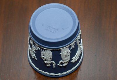 ◇ウェッジウッド/WEDGWOOD ジャスパー/Jasper ポートランドブルー/Portland Blue ギリシャ神話 ベース 8cmの写真No.4