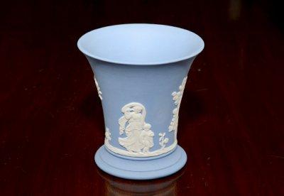 ◇ウェッジウッド/WEDGWOOD ジャスパー/Jasper ペールブルー/Pale Blue ギリシャ神話 フラワーベース(花瓶)の写真