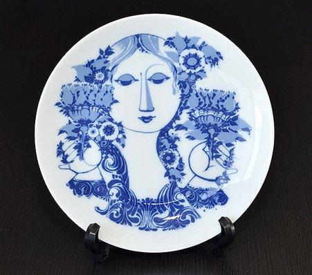 【今だけ価格】ローゼンタール/Rosenthal Bjorn Wiinblad お花を持った女性 絵皿(中)【複数在庫】の写真No.2