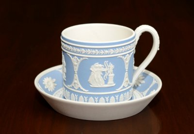 【セール】【送料無料】ウェッジウッド/WEDGWOOD ジャスパー コノスール・コレクション/Connoisseur Collection ギリシャ神話 ペールブルー コーヒーカップ&ソー…