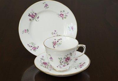 ◇クラウンスタッフォードシャー/Crown Staffordshire ピンクローズ/Pink Rose コーヒーカップ&ソーサー&プレート 3点セット(トリオ)の写真