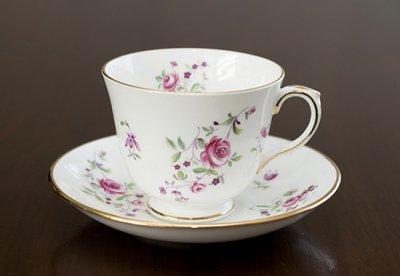 ◇クラウンスタッフォードシャー/Crown Staffordshire ピンクローズ/Pink Rose コーヒーカップ&ソーサー&プレート 3点セット(トリオ)の写真No.2
