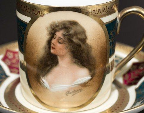 ◇ヴィエナ(ウィーン)スタイル磁器 ポートレート(肖像画) デミタスカップ&ソーサー Viennaの写真No.3