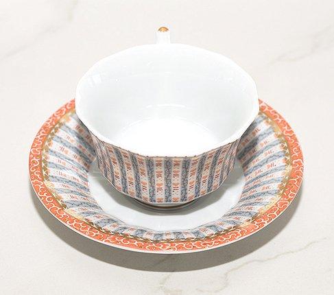 ロイヤルコペンハーゲン フェアリーテイル ティーカップ&ソーサー/ピンク 081 ROYAL COPENHAGEN ハンドペイント 個性が光るシェイプが特徴 来客用にも コーヒー兼用の写真No.4