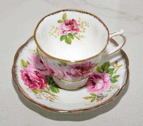 ロイヤルアルバート アメリカンビューティー コーヒーカップ&ソーサー Royal Albert   の写真No.2