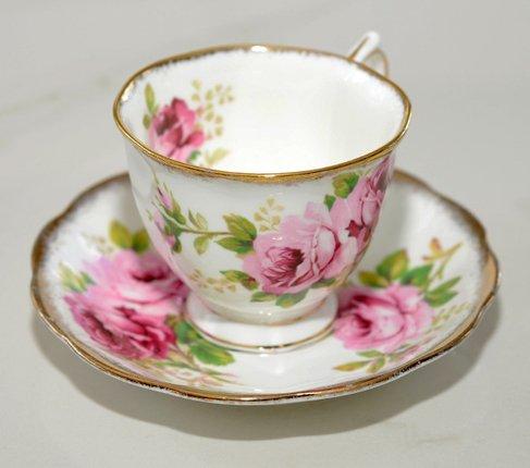 ロイヤルアルバート アメリカンビューティー コーヒーカップ&ソーサー Royal Albert   の写真No.4